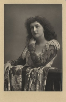 Emma Eames (1855-1952), American soprano, made her début at Covent Garden in April 1891 as Marguerite in Faust and appeared successfully in leading roles in all but one of the Harris's subsequent seasons. Photograph by W. & D. Downey, London.