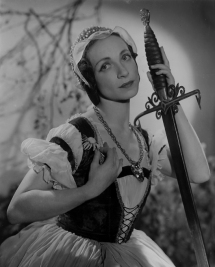 Mona Inglesby as Giselle.
