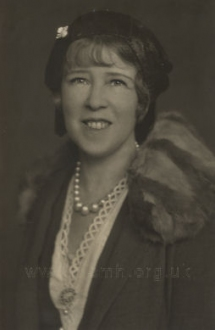Euphan MacLaren, choreographer to the production from 1925.