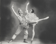 Pas de deux from Le Corsaire with Alla Sizova, Kirov Ballet, 1959. Photograph by Y. Lesov.