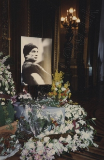Paris Opéra, Palais Garnier, Nureyev's portrait surrounded by floral tributes, 12 January 1993. Photograph by Enid Theobald.