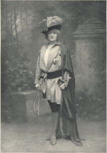 Mary Garden as Le Jongleur in Massenet's Le Jongleur de Nôtre-Dame. Photograph by A. Dupont, New York.