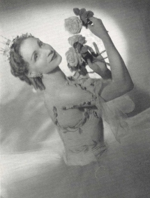 Mona Inglesby as Aurora in The Sleeping Beauty.