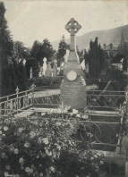 Jenny Lind's grave in Great Malvern Cemetery. Postcard photograph.